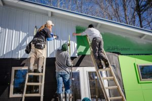 Certified contractors putting up siding