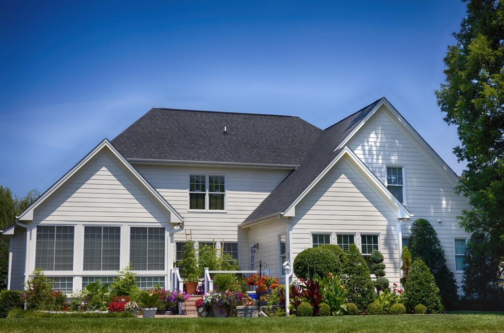Top 5 Tips For Summer Roof Maintenance